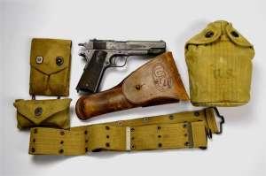 Lt.Oakes.USNR.Colt1911.DDay (39)
