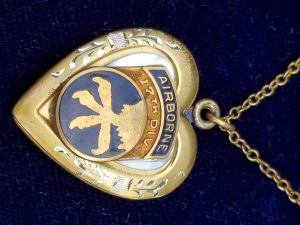 WWII 17th Airborne Division Sweetheart Jewelry Locket