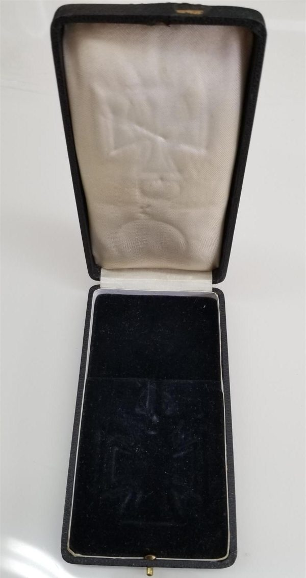 WWII German Ritterkreuz Knights Cross Medal Presentation Case